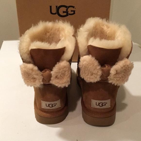 4adac2910f6 New Ugg Arielle chestnut Bow Bailey boots Sz 8 ❤️ NWT